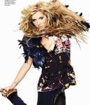 ke$ha in seventeen november (4)
